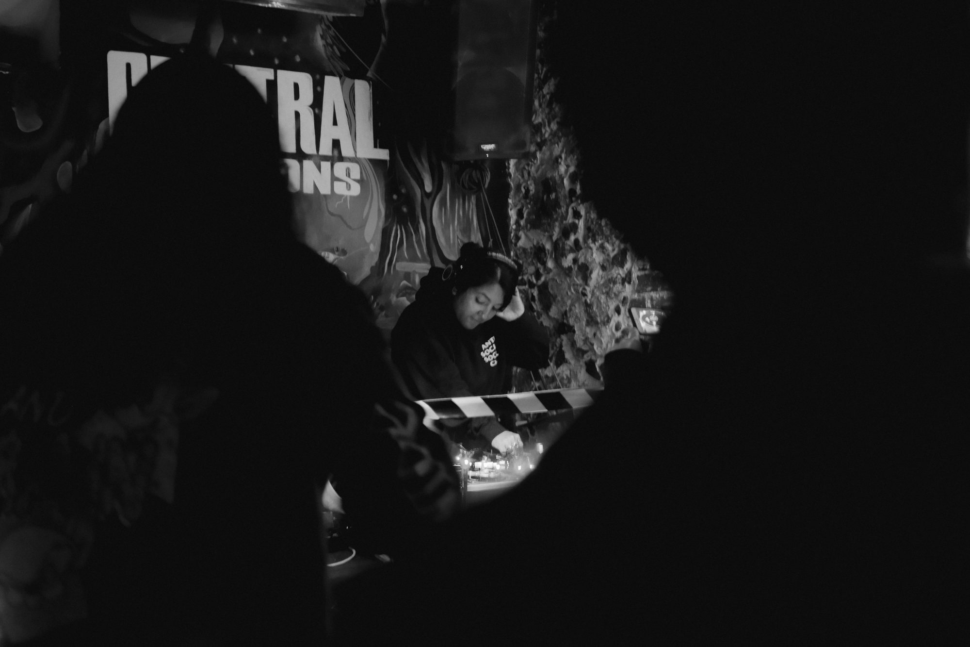 DJ-Invitada-at-Central-Funk-01-MOVELIKE© gallery item